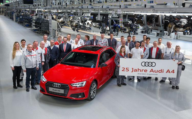 Im Bild: Mitarbeiter aus allen Fertigungsgewerken und aus der Qualitätssicherung zusammen mit Albert Mayer, Werkleiter Audi Ingolstadt, (1. Reihe, 5. von links) und Audi-Gesamtbetriebsratsvorsitzender Peter Mosch (1. Reihe, 4. von links).